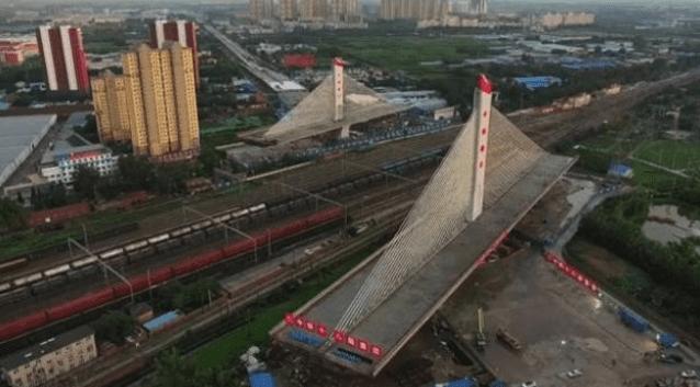 rotazione ponte strallato