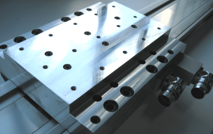 motori a induzione lineare